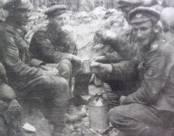 Soldiers of The RCR serving with the 7th Trench Mortar Battery.